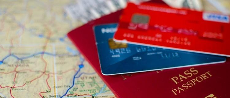 海外旅行保険付きクレジットカードとは