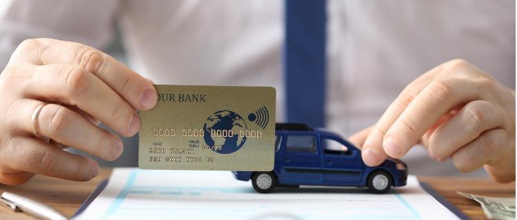 ロードサービスのついたクレジットカードのメリット