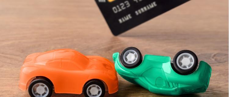 ロードサービスのついたクレジットカードを使う際の注意点